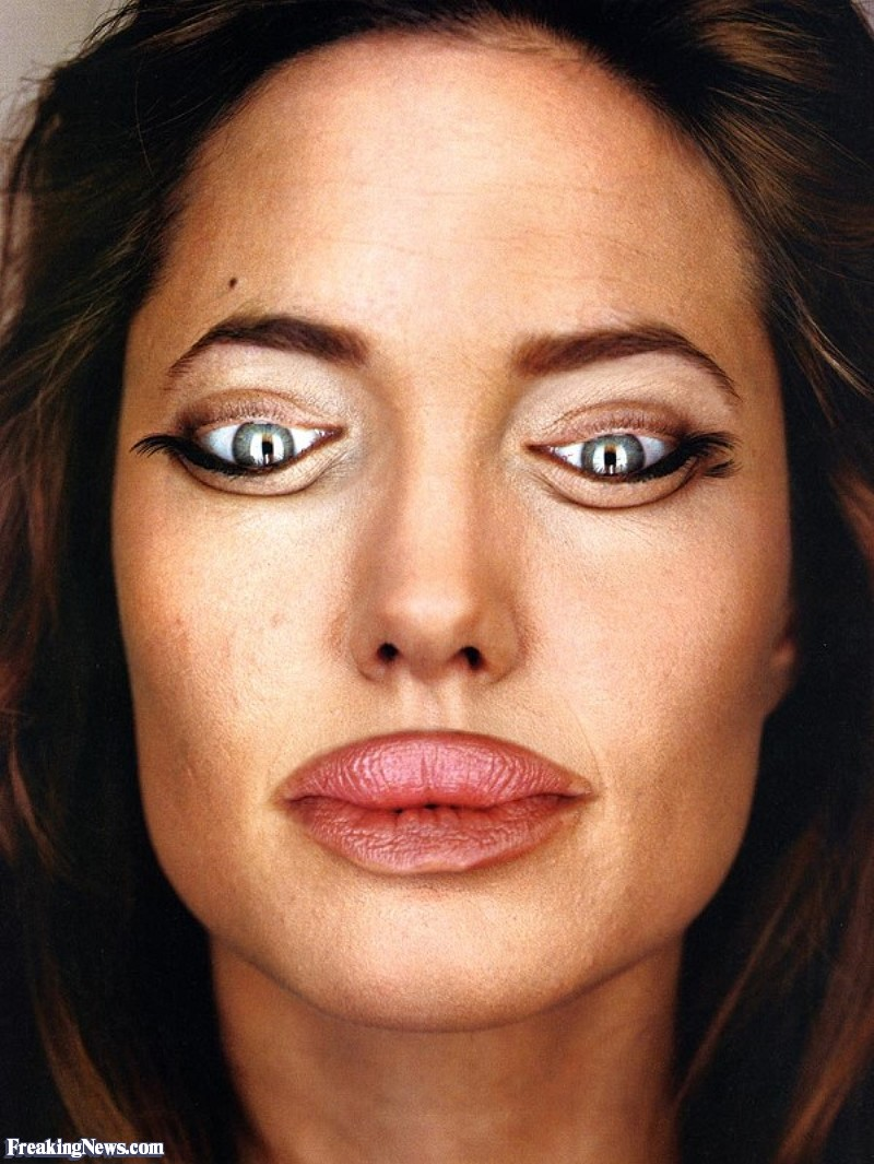 Angelina-Jolie-Inverted--35328
